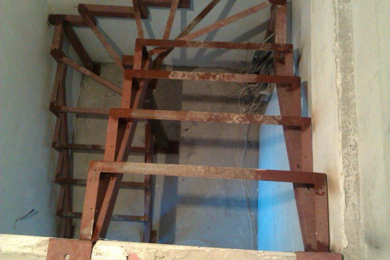Лестница своими руками каркас