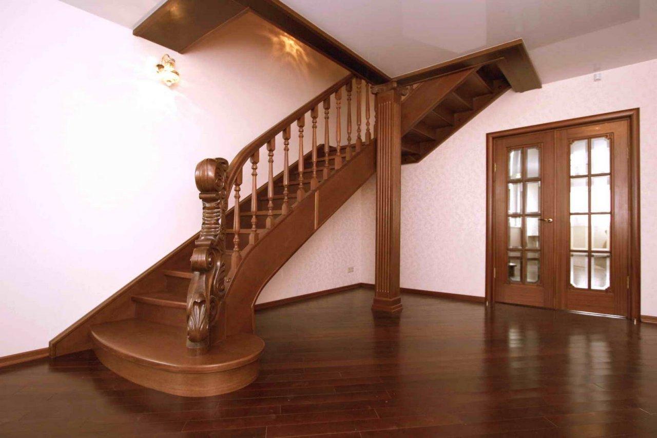 Лестницы в коттеджах: 60 фото дизайна красивых лестниц 96